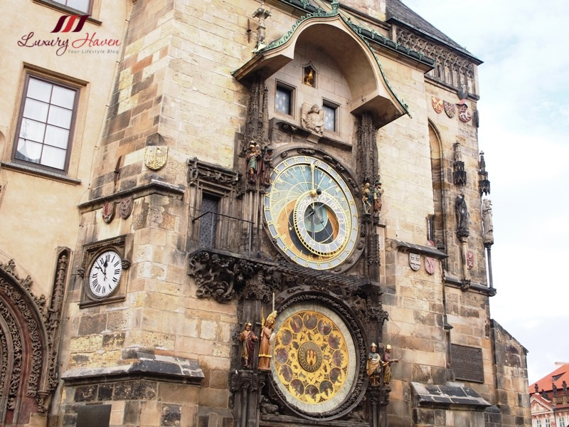 prague tourist attractions astronomical clock
