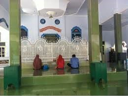 Wisata Makam Religi di Lombok Paling Hits dan Populer 2018