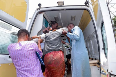 Photos: Gov. Aregbesola Helping Accident Victims On The Road