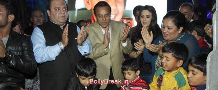 Kishor Dhingra, Aakash Dhingra, Dharmendra, Preity Zinta, Hot HD Images of Priety Zinta at Aakash Dingra's 7th Birthday Bash
