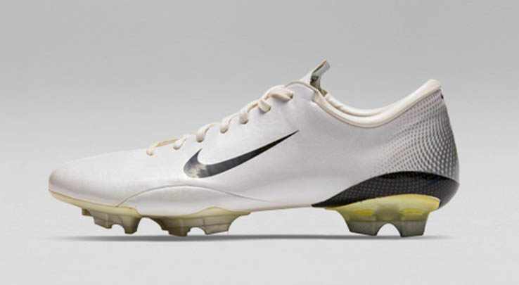 best sneakers ee2e6 524d5 In Detail - Nike Mercurial Vapor III 2006 Football Boots - F