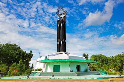 Tugu Khatulistiwa Wisata Unik di Kalimantan Barat
