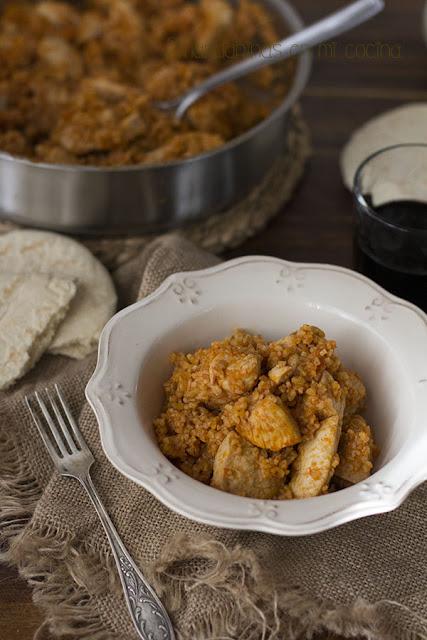 Pilaf de trigo bulgur con pollo