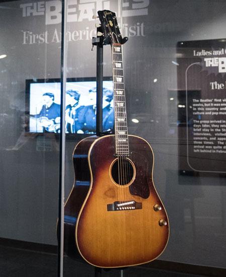 Gitar Love Me Do John Lennon yang Hilang Misterius