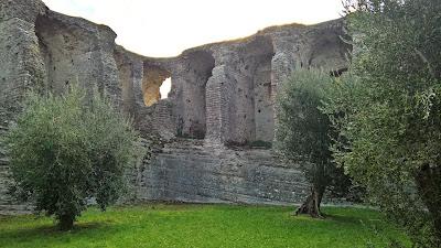 Grotte di Catullo substructure.
