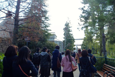 The path leading to ticket machine to Harry Potter at USJ
