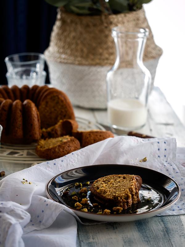 bundt-cake-de-pistachos-naranja-y-aceite-de-oliva