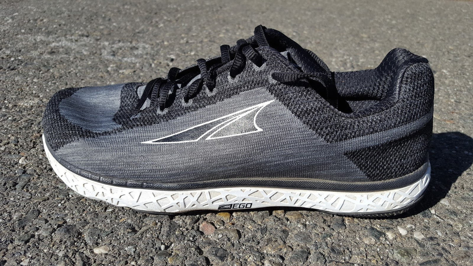 timeless design 54b18 45af9 Running Without Injuries: Altra Escalante Review