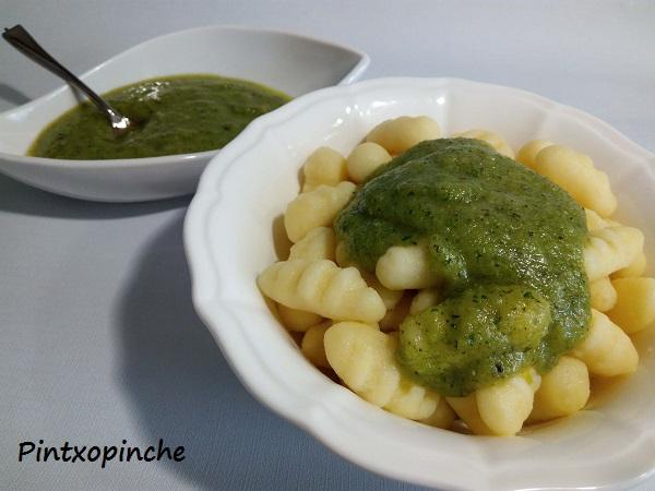 patatas, gnocchis, ñoquis, RECETAS SIN GLUTEN, primeros, pesto, almendras, ajo, ñoquis con pesto de almendras,