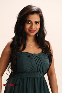 Rashmi Gautam romantic stills from movie Priyamudan Priya Spicy Stills