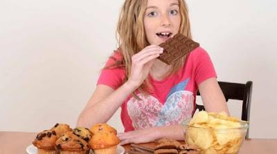 7 Bahaya dari Kebiasaan Mengemil Bagi Kesehatan