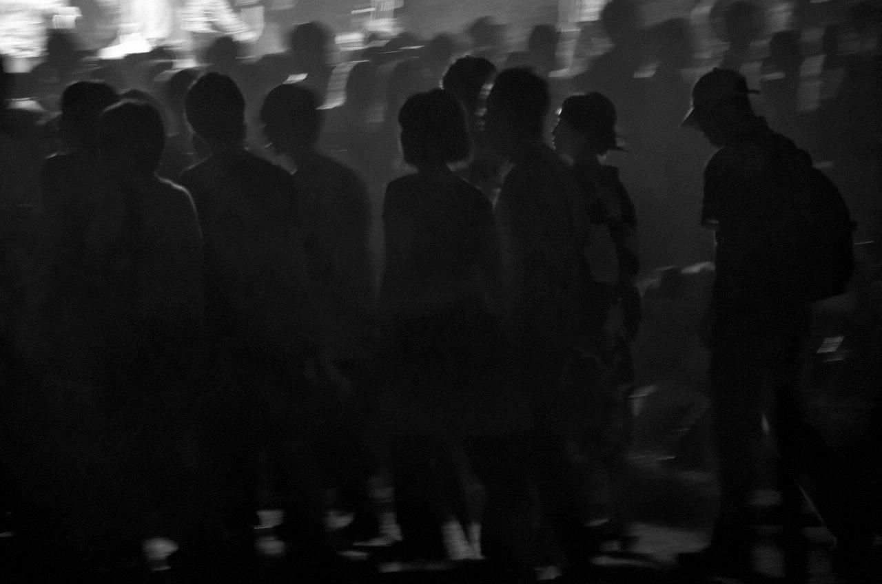 Shinjuku Mad - Crowd fondling 04