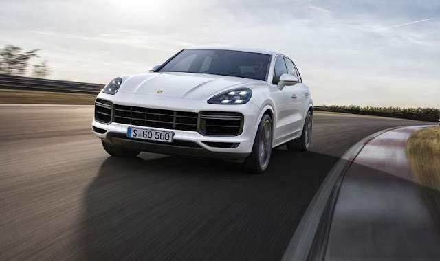2018 Porsche Cayenne Turbo more and better for the 911 SUV with 550 hp and active spoiler