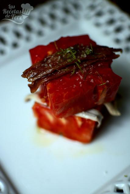 Ensalada de tomate rosa de Barbastro anchoas y boquerones tererecetas 04
