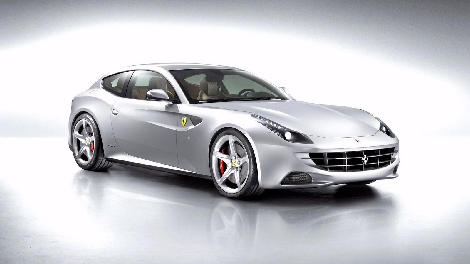 https://3.bp.blogspot.com/-oUnk-3VDzFM/TpVY_5AVfAI/AAAAAAAABQc/ZK6TIJLNCeE/s1600/2012_ferrari_wallpapers_car_1_wallpape.in.jpg