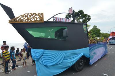 Jalur Parade Mobil Hias Tanjungpinang 2017