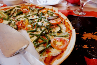 Pinakbet Pizza at Herencia