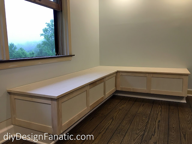 banquette, kitchen reno, cottage, mountain cottage, white kitchen, diydesignfanatic.com