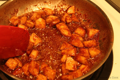 Apples, nutmeg, cinnamon, brown sugar