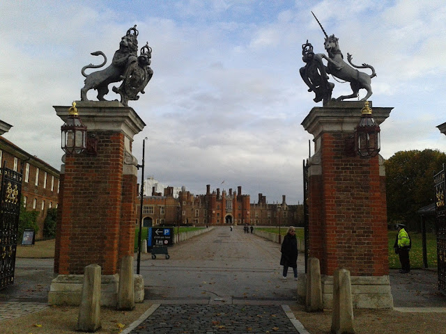 {Erin Out and About} Hampton Court Palace