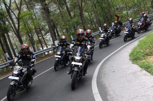 Touring Suzuki GSX 150 bandit