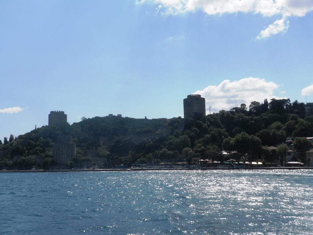 Fortaleza Europeia vista durante o passeio de barco no Bósforo