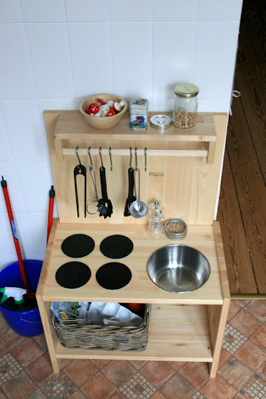 Diy A Simple Wooden Playkitchen Artsy Ants