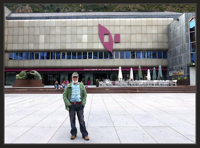CENTRE CULTURAL-SANT JULIÀ DE LÓIRA-ANDORRA-PREMIS-CONCURS-CARTELL-ARTS-PRIMER-PREMI-DIBUIX-VIATJAR-FOTOS-CONCURSOS-DIBUJO-PINTOR-ERNEST DESCALS