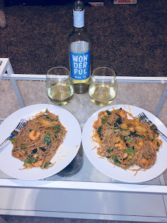 Winc Wonderful Wine Co. White Wine Blend wine and Kimchi, Shrimp, and Soba Salad recipe | brazenandbrunette.com