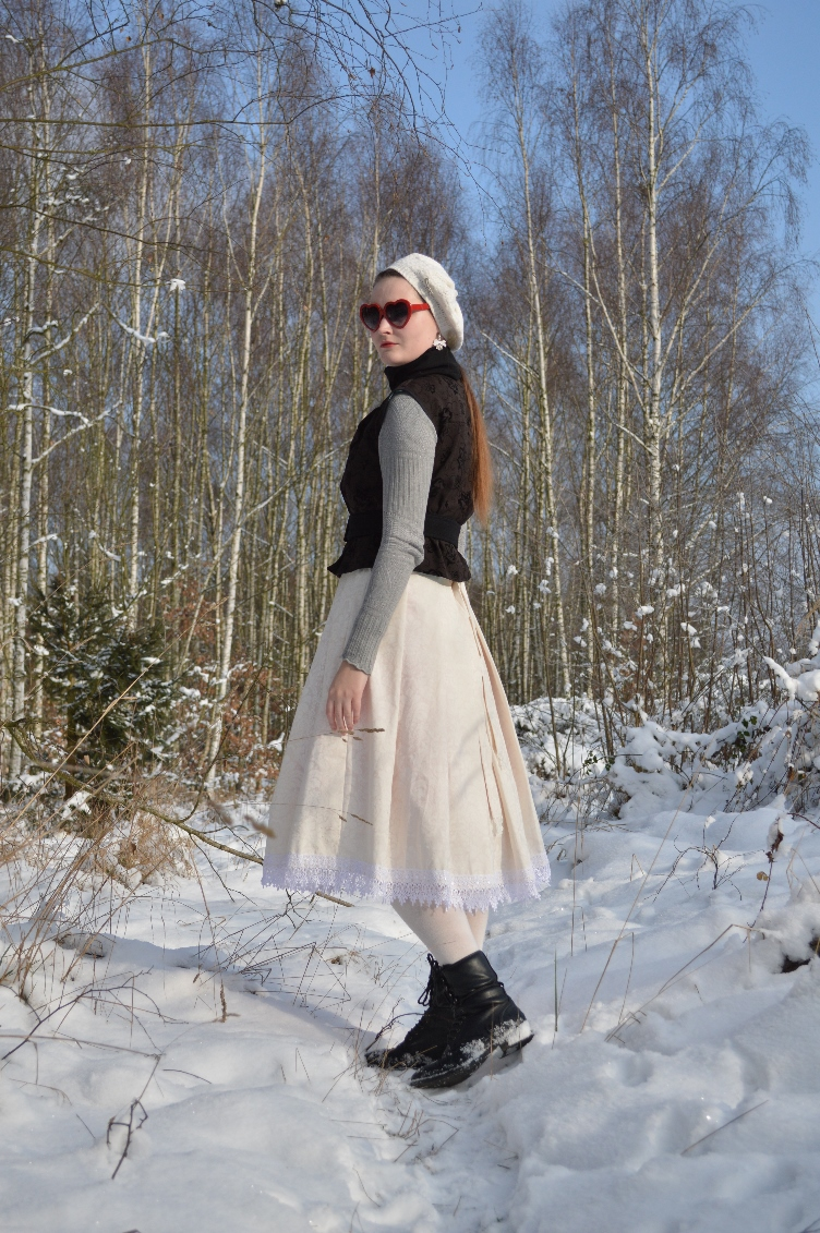 fashionista, quaintrelle, ootd, outfit, georgiana quaint, fashion, personal style, photoshoot, winter, japanese lolita, lolita fashion