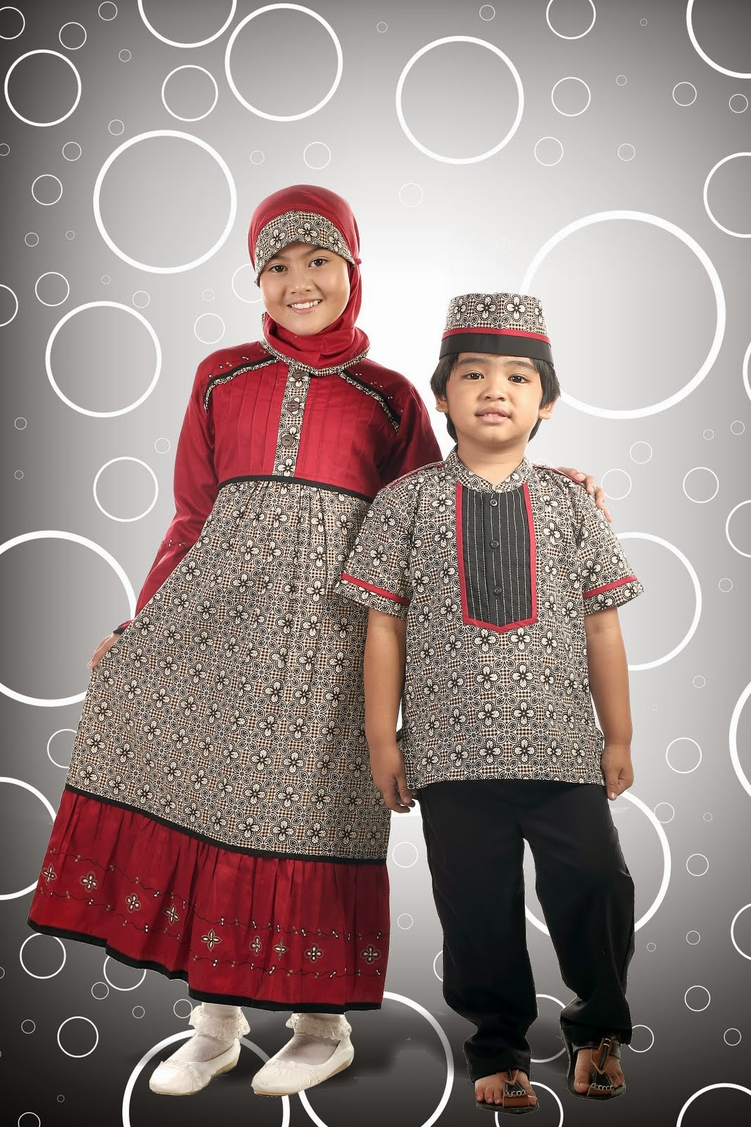 Busana Muslim Motif Batik untuk anak