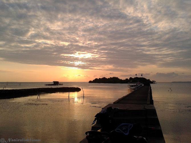 Suasana sepi di pelabuhan Mrican, Kemujan, Karimunjawa