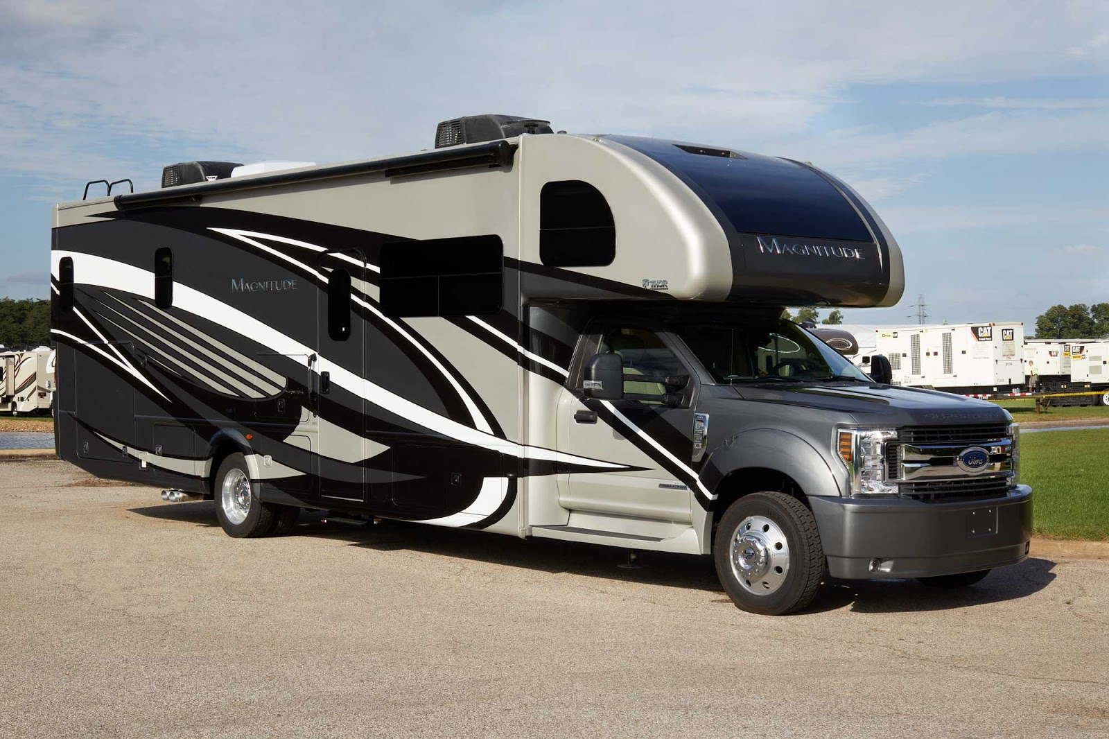 New for '19: Thor Motor Coach Unveils Exciting New Super C