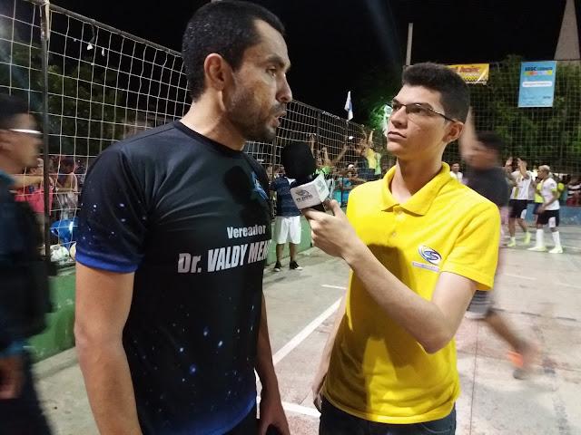 Junior Ribeiro entrevista Neto Caraúbas