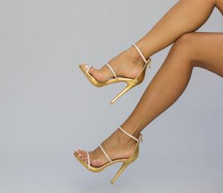 Sandale aurii cu strasuri cu toc inalt elegante