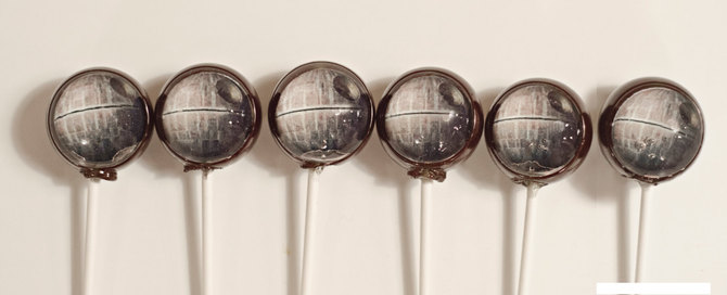 14-Star-Wars-Death-Star-Designer-Lollipop-Priscilla-Briggs-Designer-Lollipop-Edible-Food-Art-www-designstack-co
