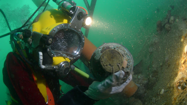 Bones, silver found in 18th-century Dutch wreck off UK