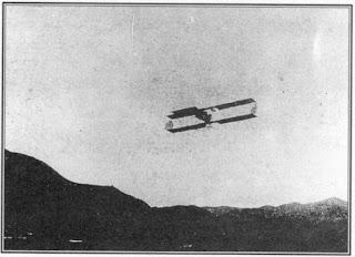 Primer avión en volar sobre Venezuela. Cual fue el primer vuelo de avión en Venezuela. Primer vuelo aéreo sobre Venezuela.