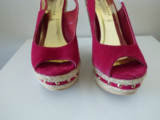 sandales compensées rose fushia