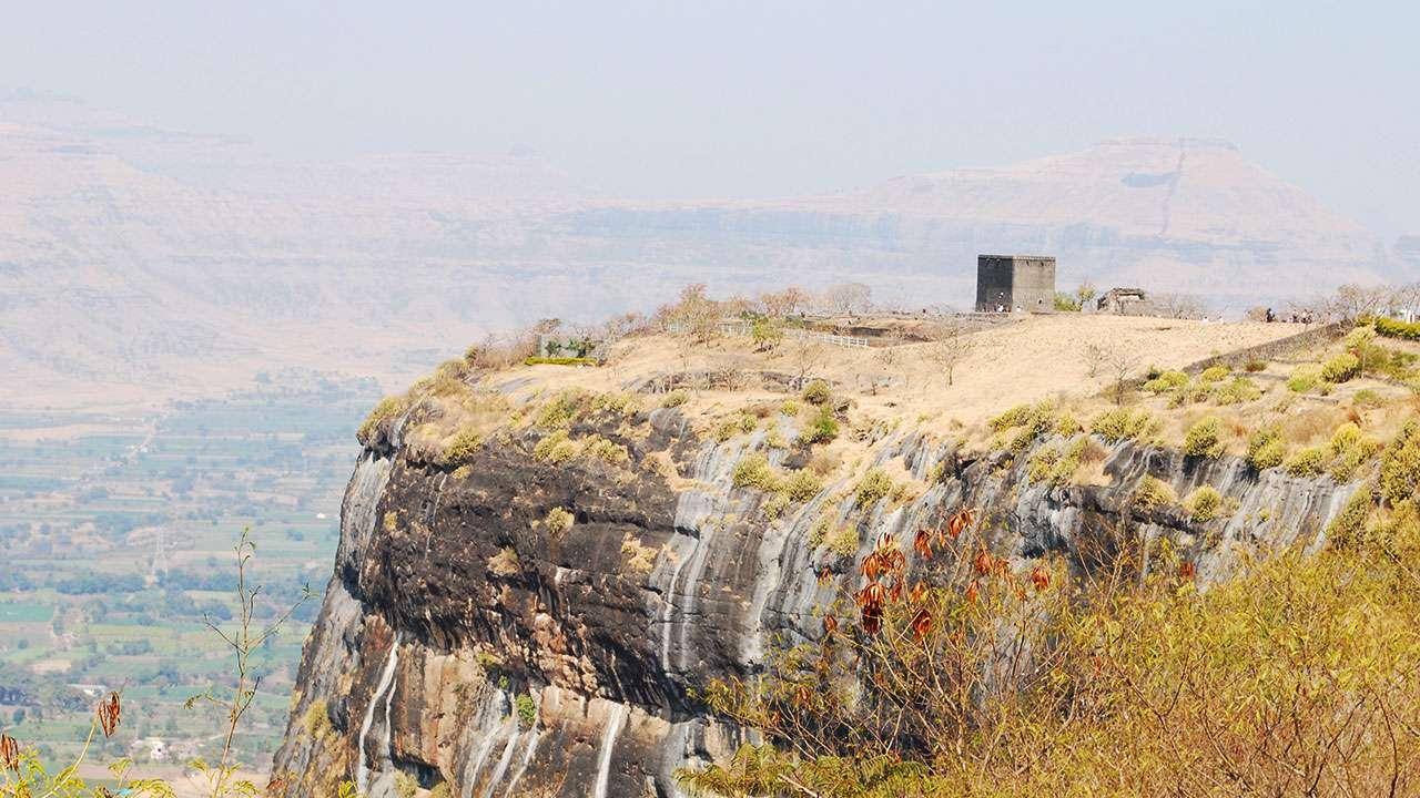 शिवनेरी किल्ला - Shivneri Fort