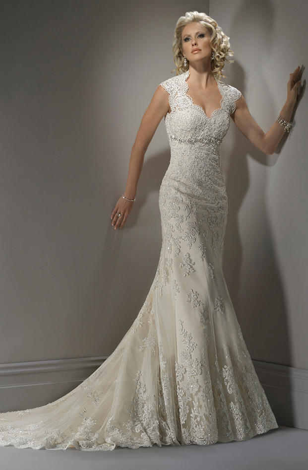 lace wedding-dress with sweetheart
