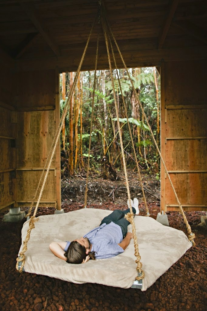 04-Kristie-Wolfe-Architecture-Tiny-Tree-House-in-Hawaii-www-designstack-co