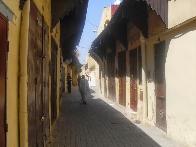 Tiendas cerradas en Mequinez