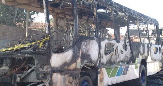 Onda de ataques continuou no Ceará nas últimas 24 horas com atentados a ônibus, fugas e rebelião em presídios