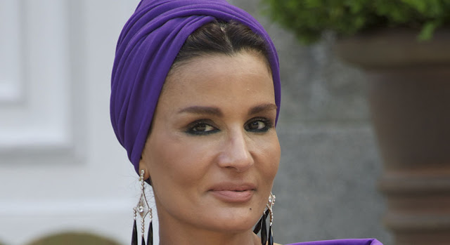 مفاجأه.. أحد امراء قطر يفضح الشيخة موزه