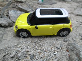 Hape Antik Mini Cooper S1 Bluetooth Mobile Phone