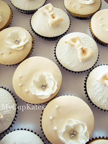 Mycupkates Cakes Cupcakes Amp Cookies Engagement Party