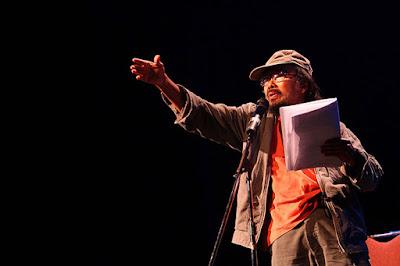 Puisi Sutardji Calzoum Bachri : Batu