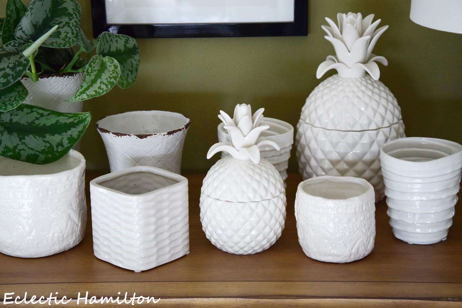 ein lichtblick im wohnzimmer mit ananas und artischocke eclectic hamilton. Black Bedroom Furniture Sets. Home Design Ideas