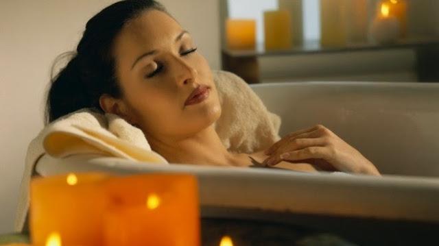 نصائح حول الاستحمام أثناء الدورة الشهريَّة